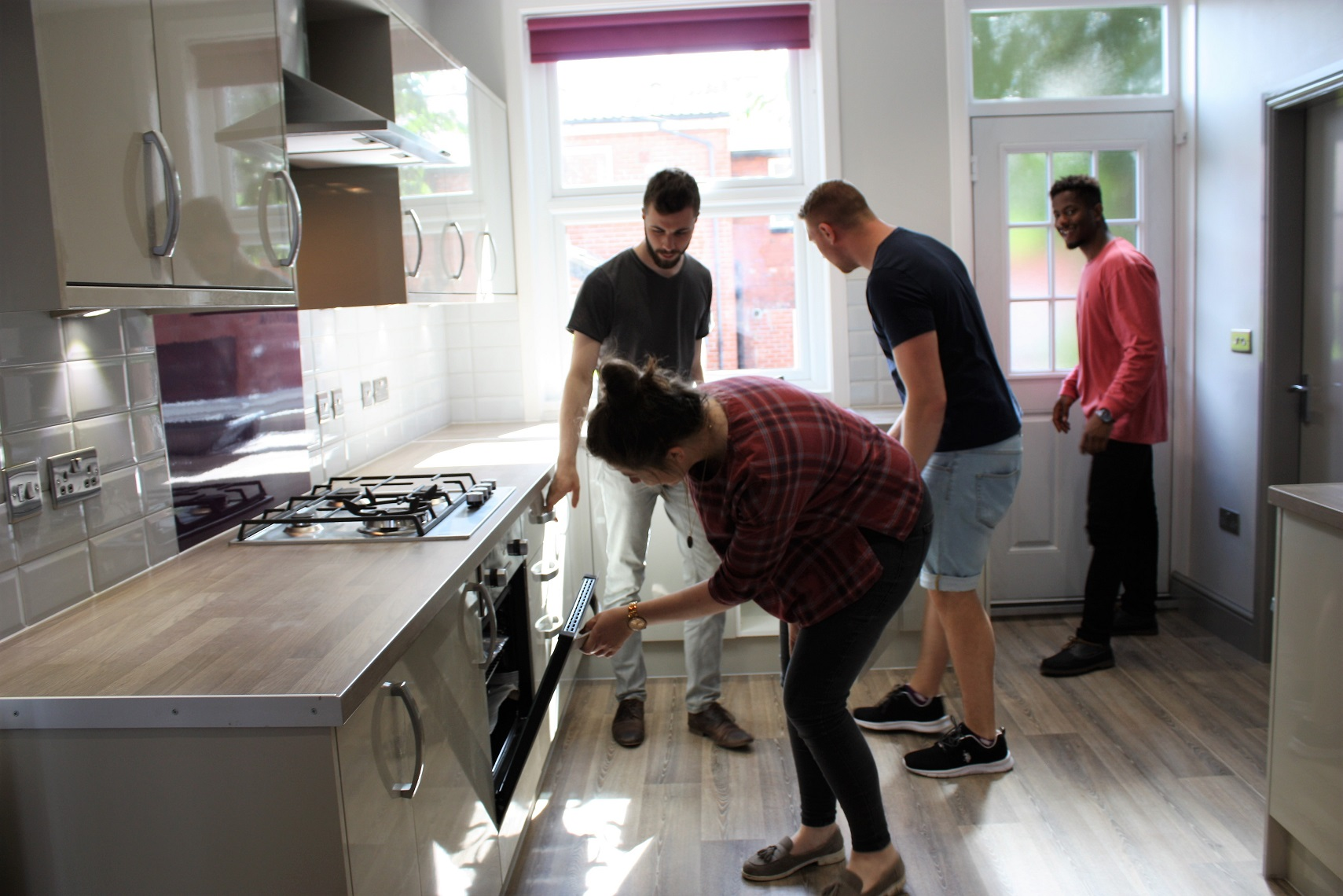 Moving In and Out Guide - Kitchen and students